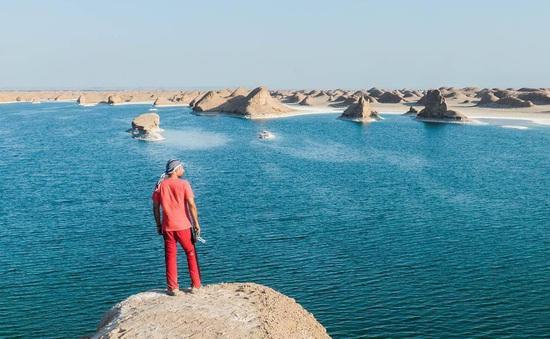 Xuất hiện hồ nước giữa sa mạc nóng nhất thế giới