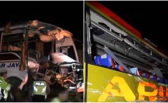 Đâm xe khách trên cao tốc tại Indonesia, 7 người thiệt mạng