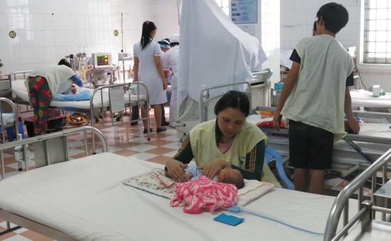 Dịch sốt xuất huyết diễn biến phức tạp tại miền Trung