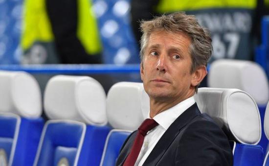 Edwin van der Sar ký hợp đồng mới với Ajax