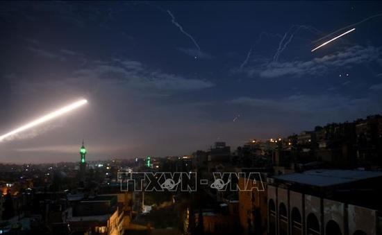 Phòng không Syria đánh chặn nhiều tên lửa từ Israel