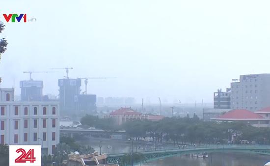 Tái diễn tình trạng không khí ô nhiễm, mù khô ở TP.HCM