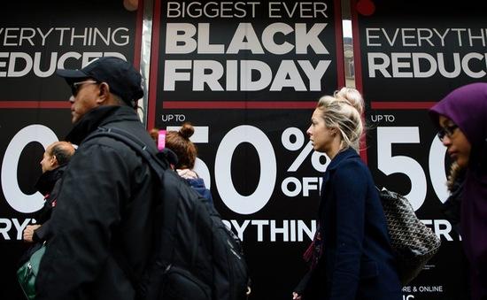 Anh giảm giá các mặt hàng dịp Black Friday