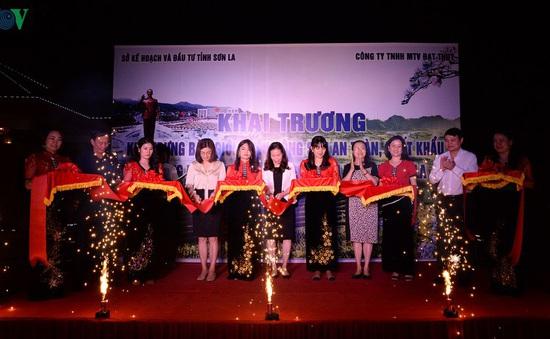 Khai trương khu giới thiệu nông sản an toàn xuất khẩu tỉnh Sơn La