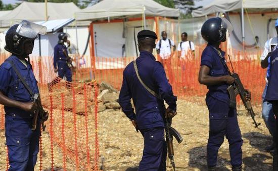 Trung tâm điều trị Ebola bị tấn công, 3 nhân viên WHO thiệt mạng