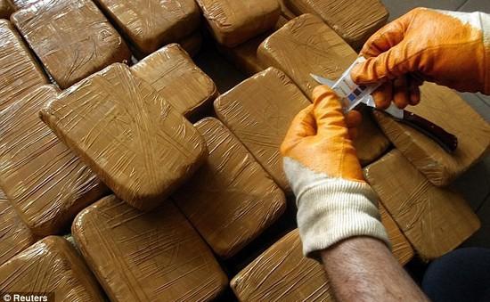 Italy phá đường dây buôn bán heroin xuyên quốc gia