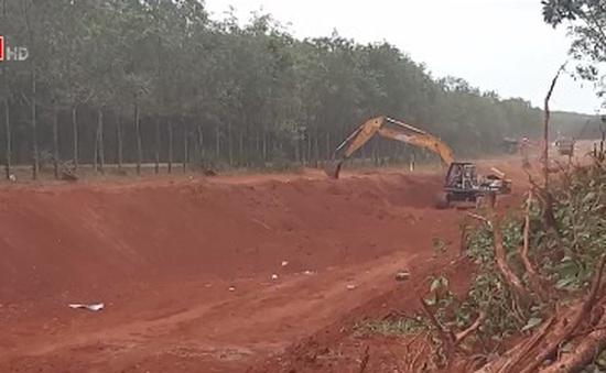 Bà Rịa - Vũng Tàu: Lợi dụng dự án thủy lợi, múc đất cát đem bán trái phép