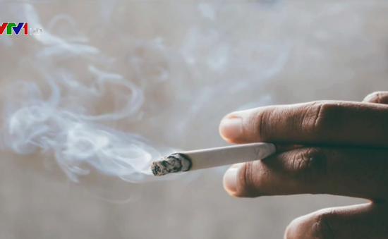 Lại thêm 4 hành khách bị xử phạt hành chính do hút thuốc trên máy bay