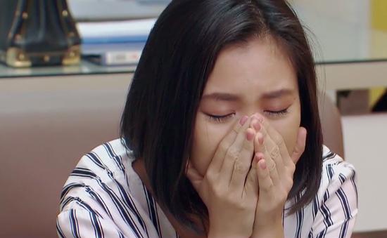 Hoa hồng trên ngực trái - Tập 28: San (Diệu Hương) ôm chặt mặt khóc khi dứt tình với chồng cũ