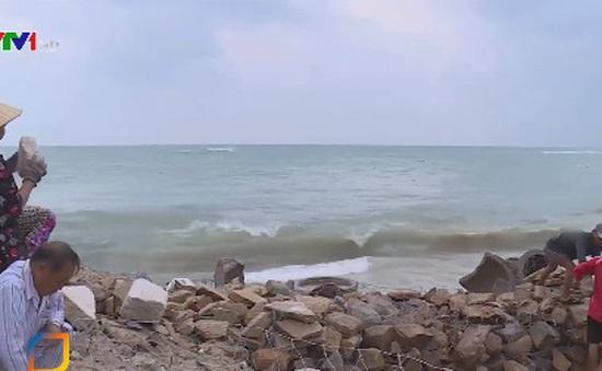 Nguy cơ bão tiếp nối bão, người dân gặp khó khăn