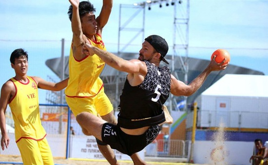 ĐT bóng ném bãi biển nam quyết tâm đạt thành tích cao tại SEA Games 30