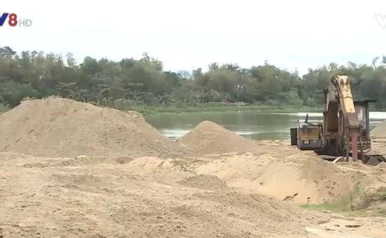 Quảng Nam: Phức tạp nạn khai thác cát trái phép trên sông Cổ Cò