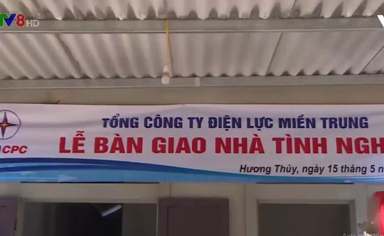 Xây dựng nhà cho người nghèo đón Tết