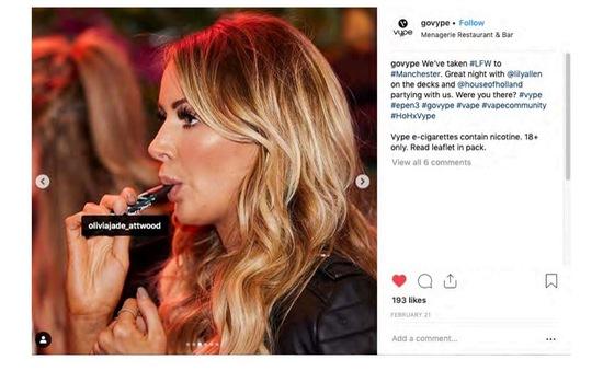Anh cấm quảng cáo thuốc lá điện tử trên các trang mạng xã hội
