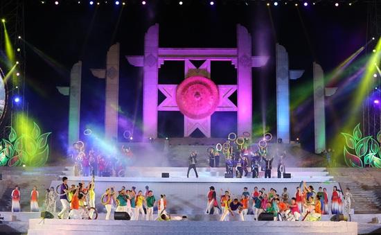 """Đạo diễn Phạm Hoàng Giang: """"Phải ăn bờ, ngủ bụi với người dân để có chương trình lễ hội hay"""""""