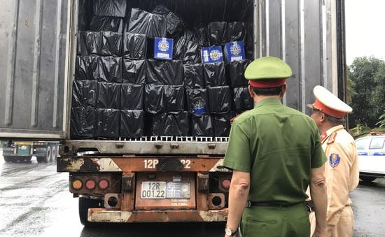 Đà Nẵng: Tạm giữ hơn 4.000 chai rượu ngoại không rõ nguồn gốc