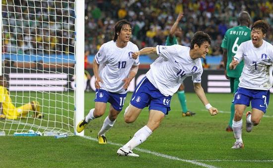 Bảng thành tích ấn tượng của cựu danh thủ Hàn Quốc vừa cập bến CLB TP.HCM