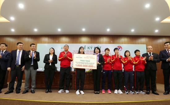 Bóng đá nữ Việt Nam nhận khoản tài trợ 100 tỷ đồng
