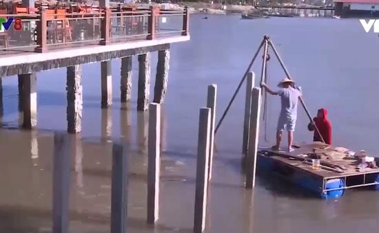 Nhiều vi phạm về xây dựng trên đầm Lập An