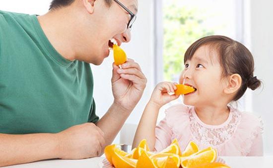 Bố mẹ nên làm gì khi trẻ lười ăn trái cây