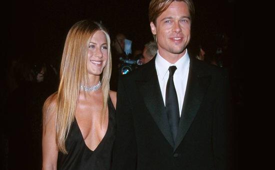Brad Pitt tán tỉnh lại vợ cũ