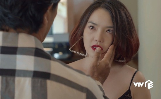 Tiệm ăn dì ghẻ: Sự thật cay đắng phía sau sự nổi tiếng của diễn viên Thiên Kim