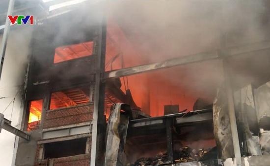 Cháy lớn tại khu công nghiệp Sóng Thần, Bình Dương