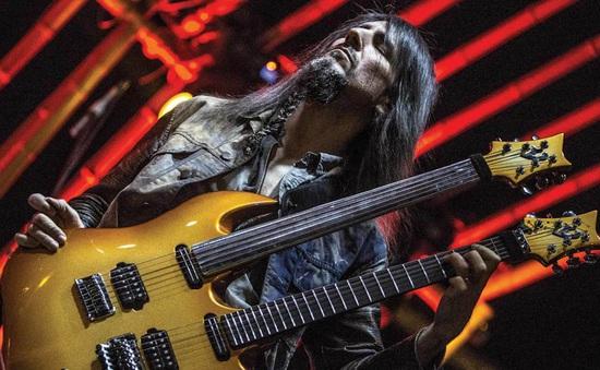 Cựu thành viên ban nhạc rock huyền thoại Guns N' Roses lần đầu đến Việt Nam