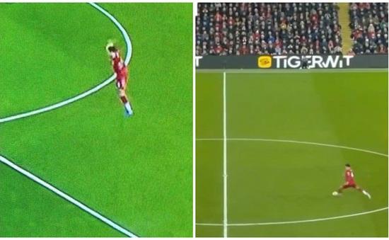 Bàn thắng duy nhất của Liverpool gây sóng gió từ trong... đường hầm