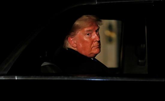 Hạ viện Mỹ chốt báo cáo đầu tiên luận tội Tổng thống Trump
