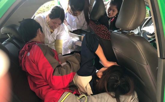 Tài xế taxi 20 tuổi lần đầu hỗ trợ sản phụ sinh con trên xe