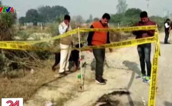 Nạn nhân hiếp dâm bị thiêu sống trên đường đến tòa Ấn Độ