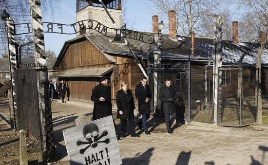Thủ tướng Đức lần đầu thăm trại tập trung ở Ba Lan