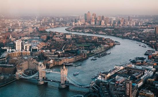 Giới đầu tư rút 2,8 tỷ Bảng khỏi các quỹ bất động sản Anh trong 12 tháng qua