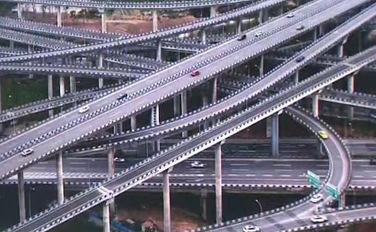 """Chóng mặt với """"ma trận"""" giao thông trên cao ở Trùng Khánh (Trung Quốc)"""