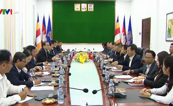 Campuchia đề xuất Việt Nam hợp tác tiêu thụ lúa gạo