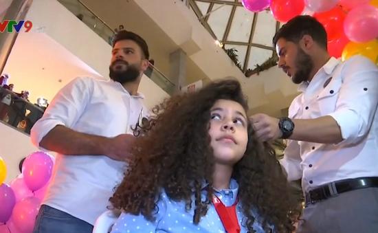 Jordan: Sáng kiến tặng tóc giả cho trẻ em ung thư