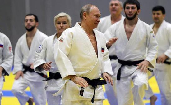 Tổng thống Nga Putin so tài cùng nhà vô địch Judo Olympic