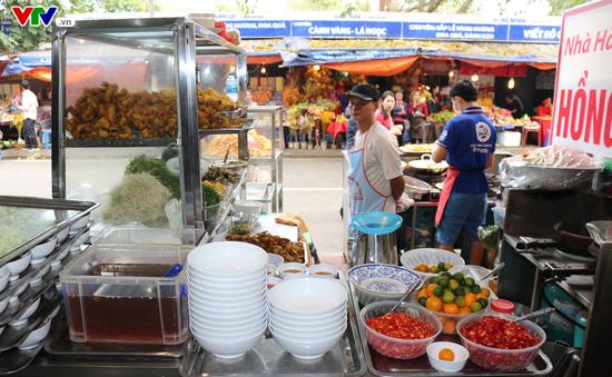 Hà Nội: Kiểm tra đột xuất an toàn thực phẩm tại Phủ Tây Hồ