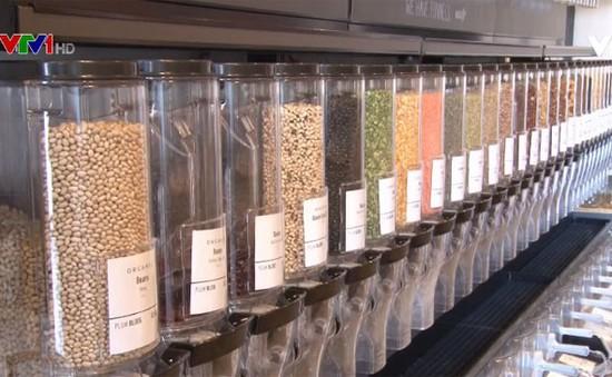Cửa hàng thực phẩm nói không với bao bì