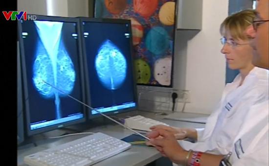 Thử máu giúp phát hiện sớm ung thư vú