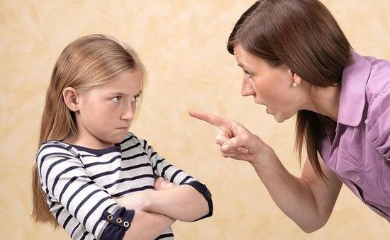 Mẹ nghiêm khắc sẽ có con gái thành công?