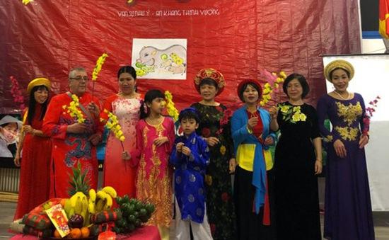 Kiều bào Việt Nam tại Italy đón Tết Kỷ Hợi