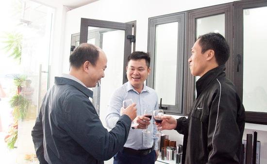 CEO Nhôm Xingfa JSC hướng dẫn cách nhận biết cửa Nhôm Xingfa Quảng Đông chính hãng