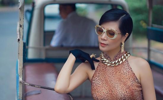 Siêu mẫu Vũ Cẩm Nhung chia sẻ bí quyết mặc đẹp, thanh lịch