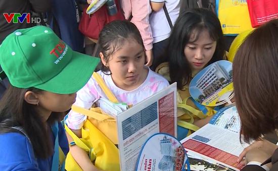 Ngày hội tư vấn tuyển sinh tại Cần Thơ: Giải tỏa băn khoăn trước kỳ thi THPT Quốc gia