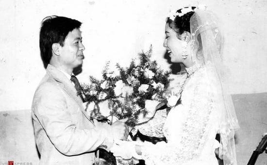 Sau 32 năm, NSƯT Chiều Xuân hé lộ hình ảnh đám cưới