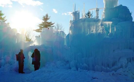 Chiêm ngưỡng lâu đài băng huyền ảo ở Mỹ