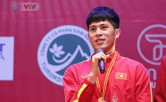 Trần Đình Trọng rụt rè chia sẻ sau khi nhận giải VĐV tiêu biểu 2018