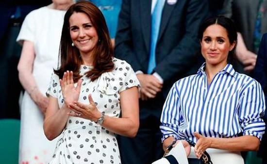 Hoàng gia Anh cấm người dùng mạng bình luận ác ý với hai con dâu